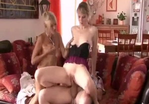 real incest 3some with a mom and daughter