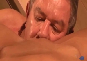 Dad nicely licks his daughter pussy