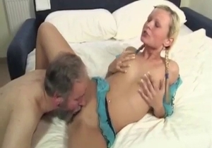 Sensual daughter pleases her daddy